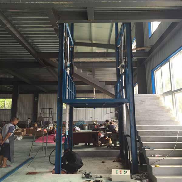 <b>厂房升降货梯</b>