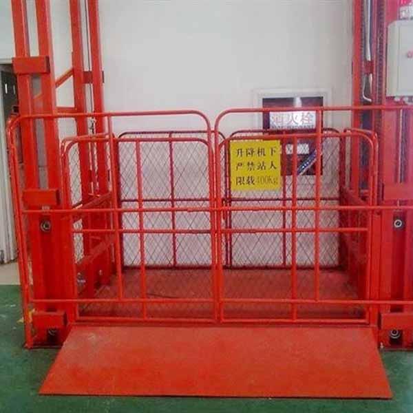 常规升降货梯